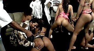 XXX Music Video Apple Bottom Booty's