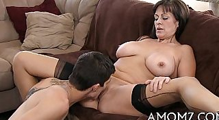 Older playgirl sucks and swallows
