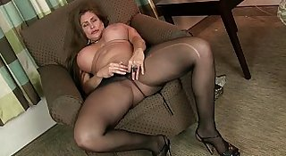 American milfs Sheila and Lacy get turned on by pantyhose