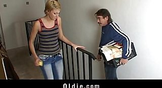 Young cleaning lady fuck rude older